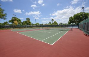 Tennis courts of Lamplighter Village