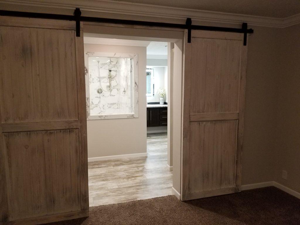 sliding door from bed to bath