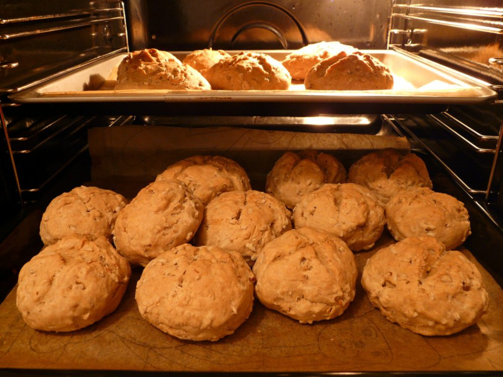 Baked breads how to stay warm in a mobile home