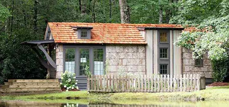 Five Adorable Small and Tiny Home Models We Love