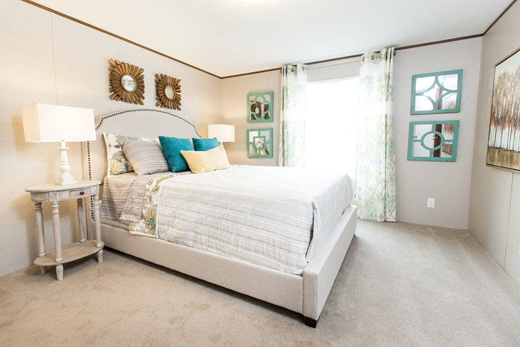 luxury mobile home bedroom - Clayton Delight mobile home
