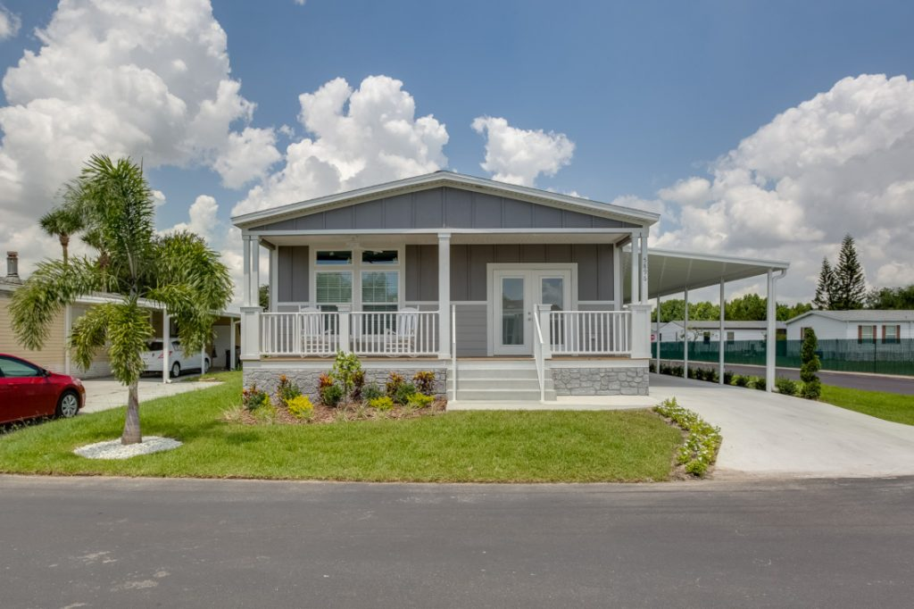 selling a mobile home exterior retirement community