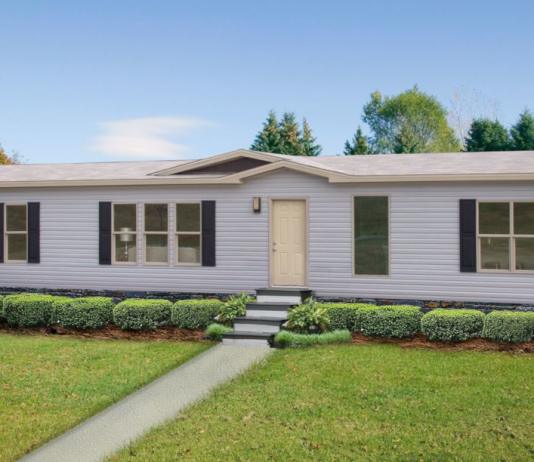 Home exterior mobile home curb appeal