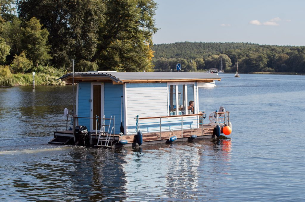 houseboat millennial home choices
