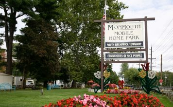 NJ Mobile Home Park Monmouth Merry Christmas