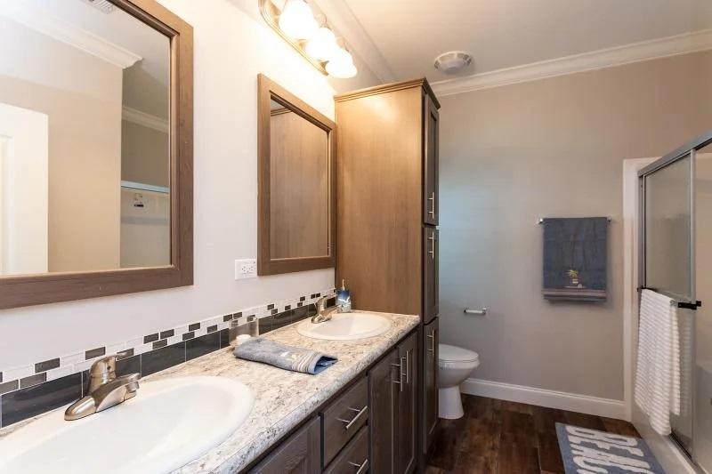 3 bedroom mobile home master bathroom