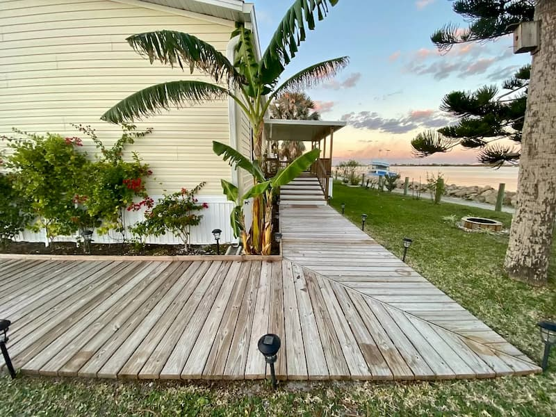 Side view of Florida waterfront mobile home