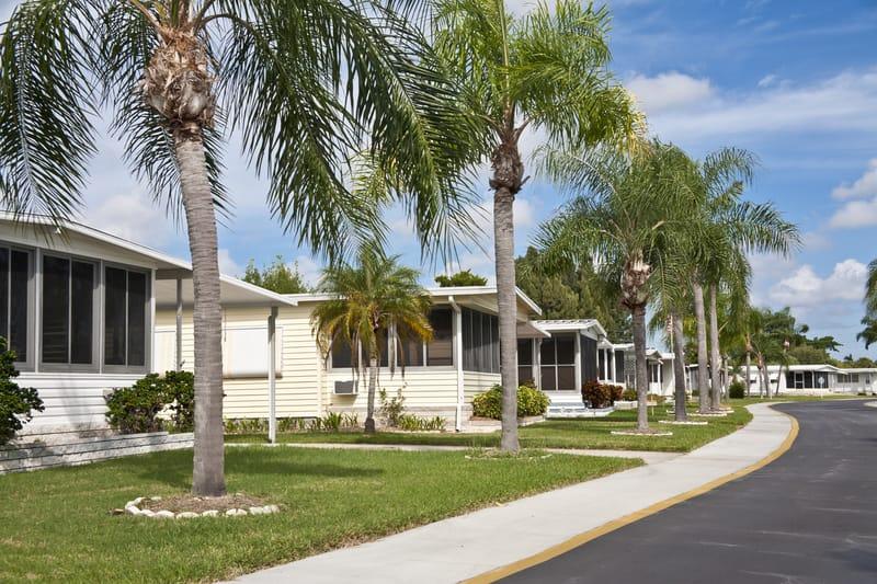 Find affordable mobile homes for sale in Tavares, Florida