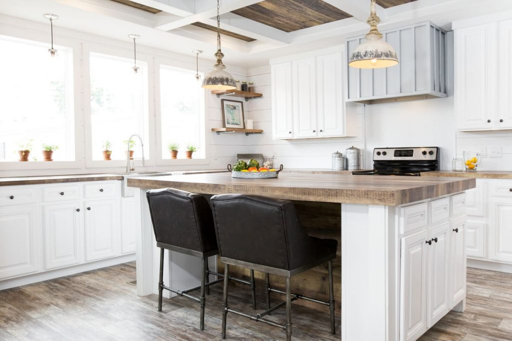 Farmhouse Mobile Homes open kitchen