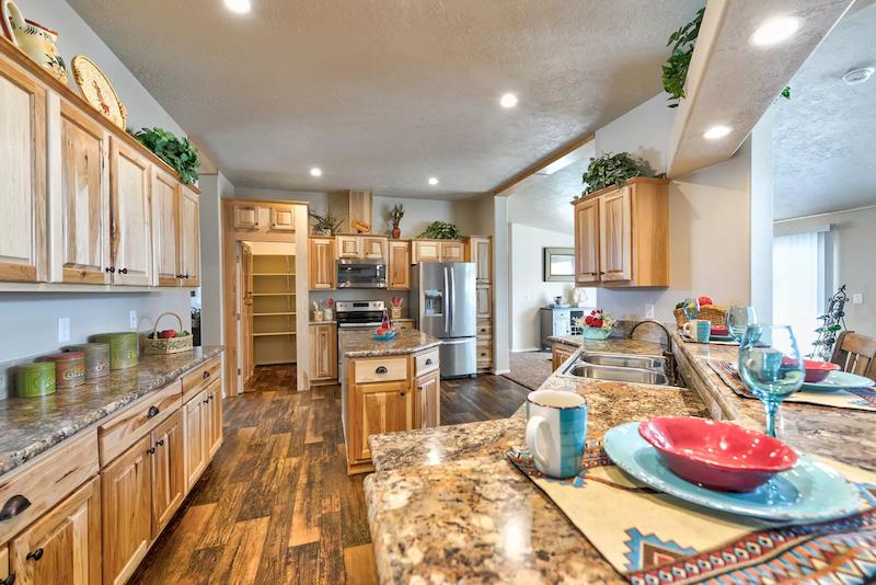 big mobile homes kitchen